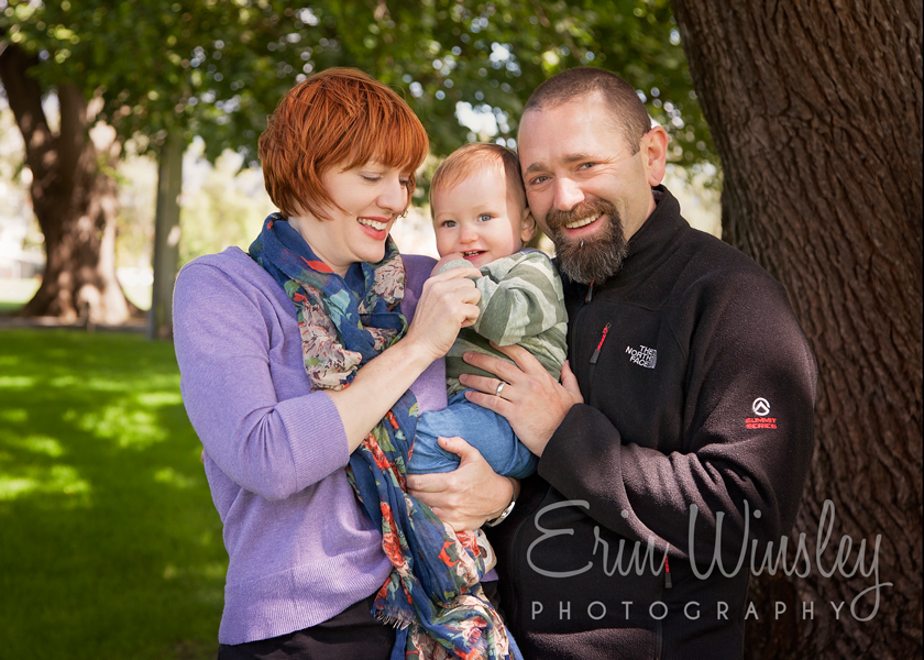 parents-holding-little-boy-family-photography